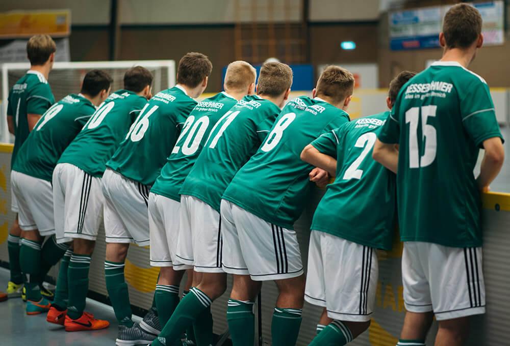Azubi Cup 2018 Mannschaft am Spielfeld