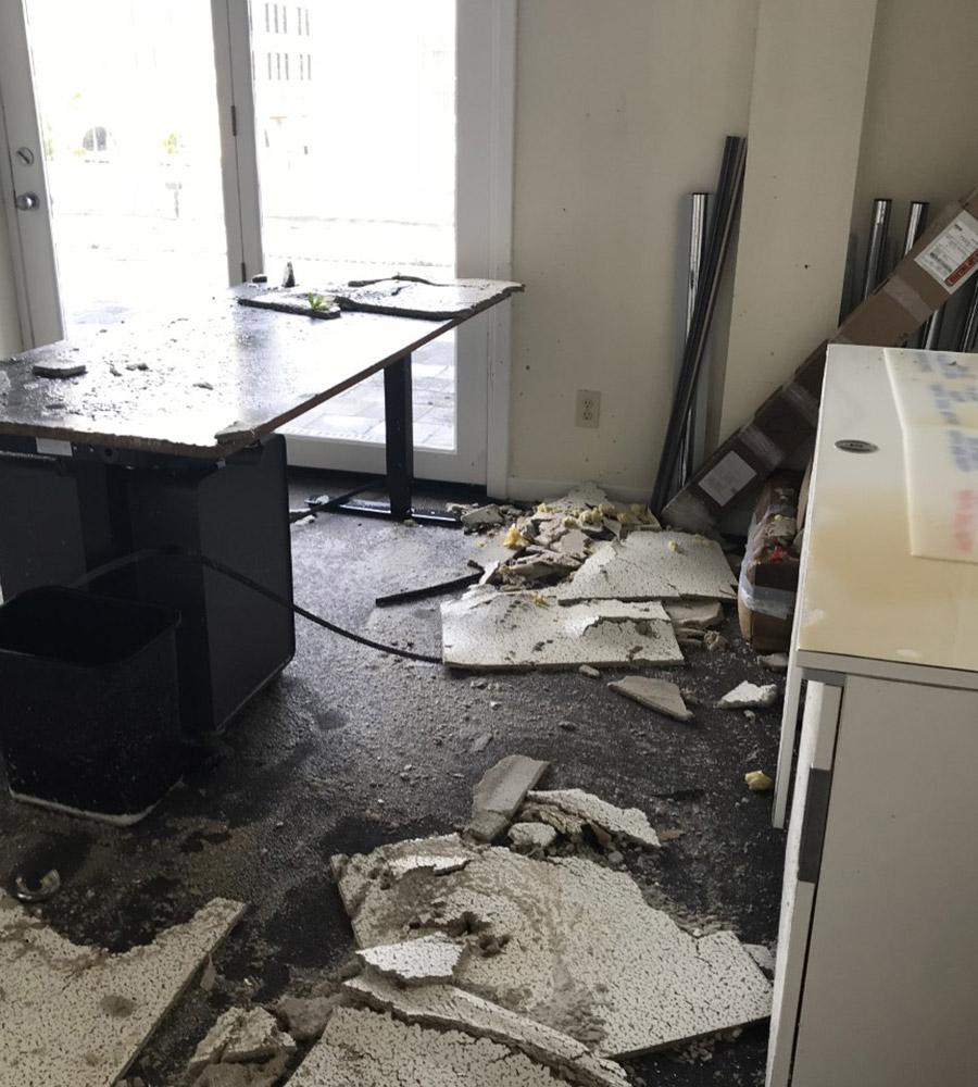 Büro nach Hurricane