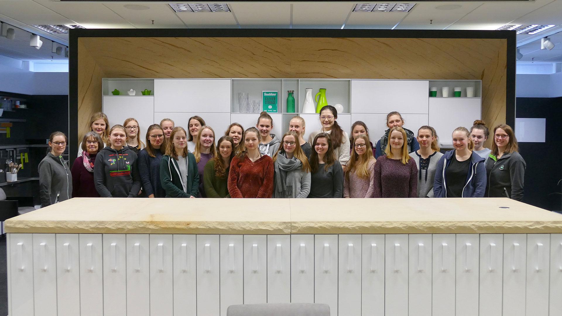 Female university candidates visit Kesseböhmer
